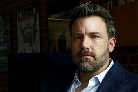 Review Of La Times Step Away From The It Bag Maam by Ben Affleck Steps Away From Directing Batman