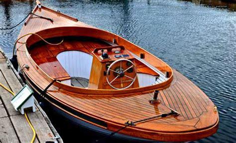 small boat jokes nautical humor woody tug boat gets last laugh at