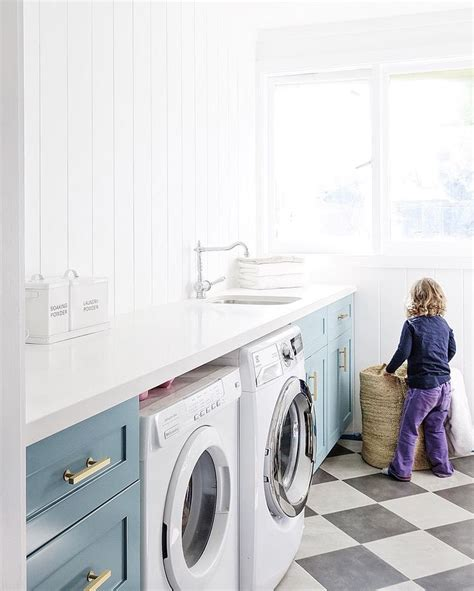laundry room floor cabinets 189 best laundry images on pinterest entrance hall