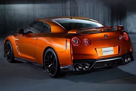 2017 nissan gt r specifications equipment