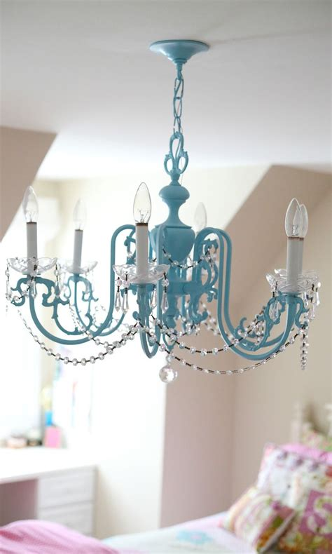 Chandeliers For Little Girl Rooms | l create an adorable room for your little girl with
