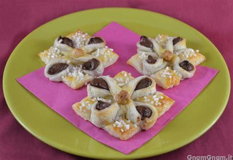 fiore di nutella fiori alla nutella la ricetta di gnam gnam