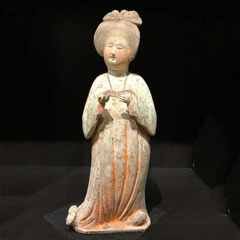 lade in terracotta terracotta from the tang dynasty 40 cm