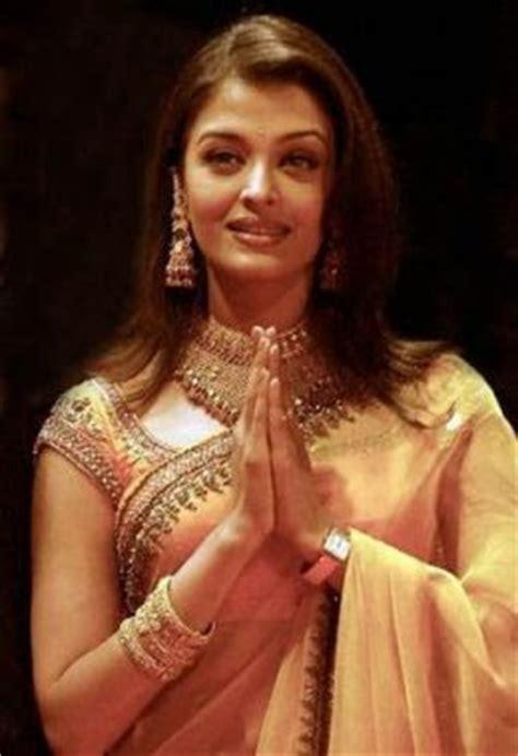 aishwarya rai in designer saree collection5 cutstyle aishwarya rai designer saree collection 7 sareetimes