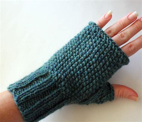 fingerless gloves knitting pattern seeded fingerless gloves by surly sheep knitting pattern
