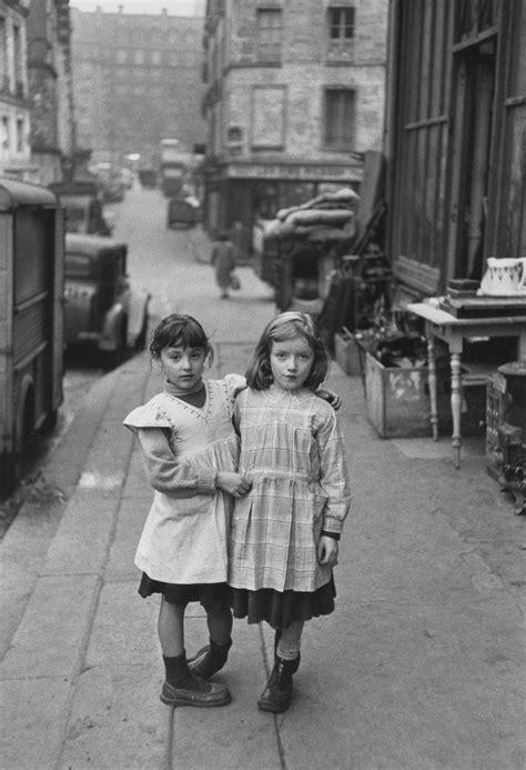 vintage kids (La Place Maubert, Paris, 1954 (Edouard Boubat))