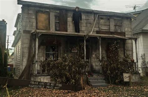 the myers house these people have won halloween with their creepy michael myers house