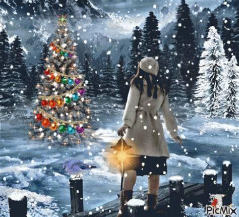 christmas tree gif christmas tree snowfall discover share gifs