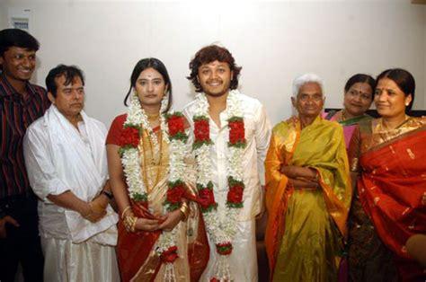 actor ganesh wedding golden star ganesh family photos celebrity family wiki