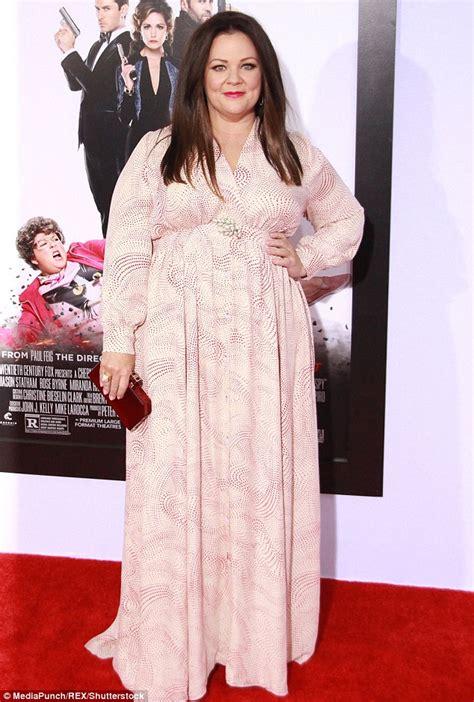 Melisa Dress mccarthy reveals dress size after stunning 50lb