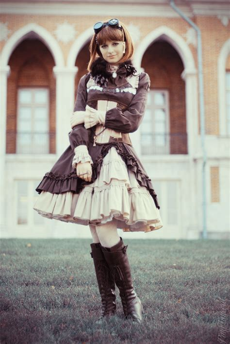 ~Les Fleurs Noires~: Decor For Fashion: Steampunk/Classic Lolita