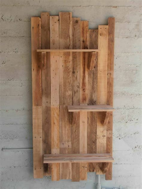17 helpful tips before painting wooden pallets pallet ideas 1001 pallets need to and pallets pallet wall shelves 1001 pallets