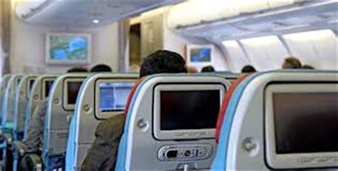 cinq choses 224 prendre avec soi lors d un voyage en avion