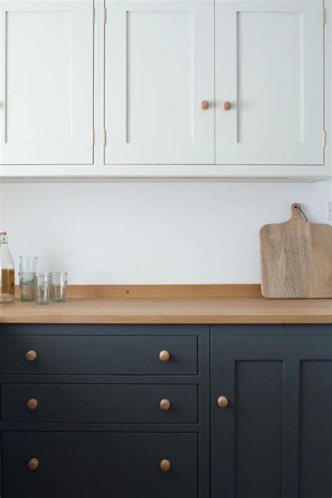 painted shaker style kitchen cabinets best 25 shaker style kitchens ideas on pinterest grey