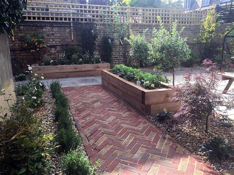 Brick Walls For Gardens Garden Garden Gardens From