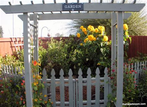 Picket Fence Garden Ideas Picket Fence Ideas For Instant Curb Appeal