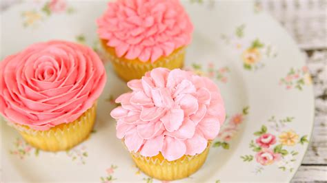 Cupcake Buttercream Birthday Package amazing buttercream flower cupcakes cake style