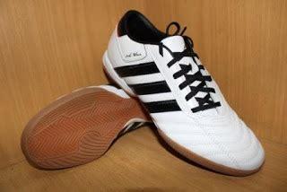 Sepatu Adidas Adinova sepatu futsal adidas adinova