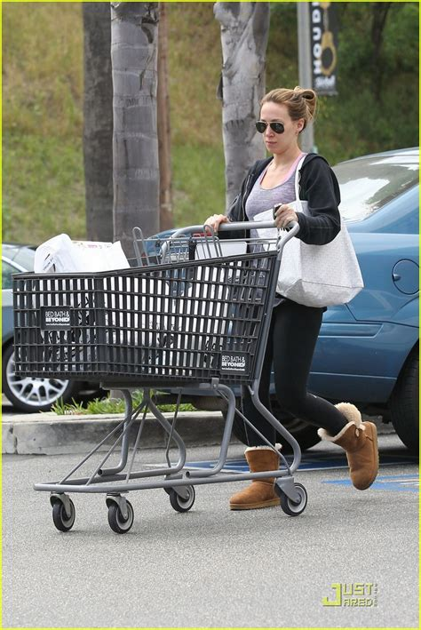 bed bath and beyond encino hilary haylie duff bed bath beyond shoppers photo 2537799 haylie duff hilary