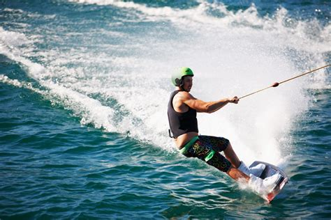 wakeboard boats with head the 5 best wakeboard helmets 2017 reviews deals lho