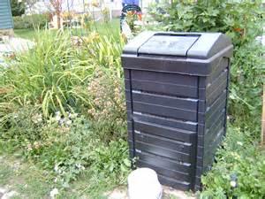 backyard compost bin composting