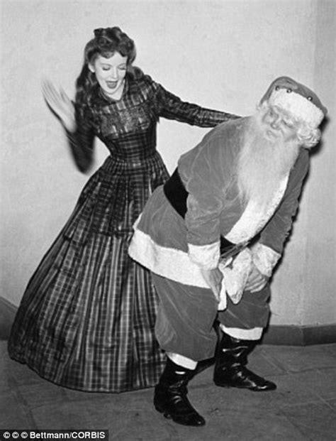 Ordinary Hunting Christmas Stockings #4: 2435CC9A00000578-2882750-image-a-99_1419188617637.jpg