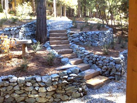 Garden Rock Walls 1000 Images About Chicken Wire Rick Wall On Pinterest Rock Wall Retaining Wall And