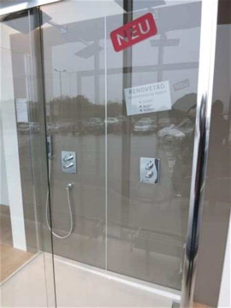 Badezimmer Ohne Fliesen Kosten by Bad Und Dusche Ohne Fliesen Badezimmer Fliesen