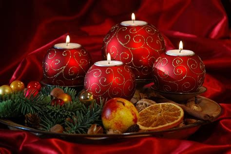 christmas decoration images red christmas ornaments christmas photo 22228629 fanpop