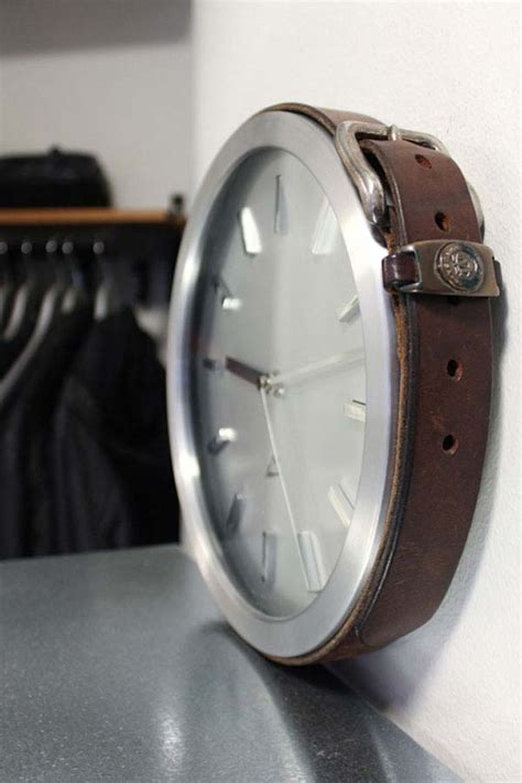 diy leather belt clock hanger 22 diy ideas to reuse and recycle belts