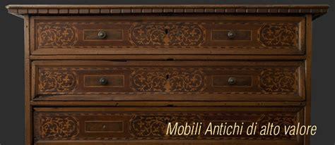riproduzioni mobili antichi antiquariato collezionare oggetti antichi per passione e