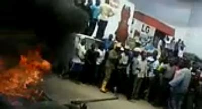 shocking video of potato thieves burnt alive in kenya video of thieves being burnt alive by a mob