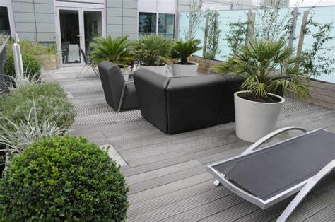 dise 241 o de terraza de listones de madera en forma de cubo terrazas practicas creando ambientes de mayor intimidad