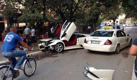 crashed white lamborghini car crash white lamborghini murcielago lp640 crashes in