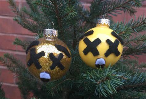 dltk christmas decoration dizzy emoij ornament