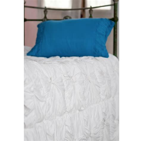 lazybones vintage style bedding rosette white quilt