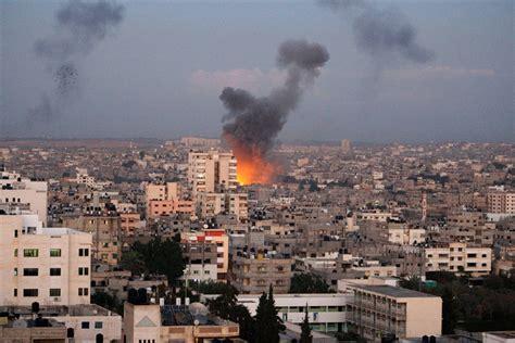 porto israeliano israele bombarda gaza ad un giorno dal rapporto onu