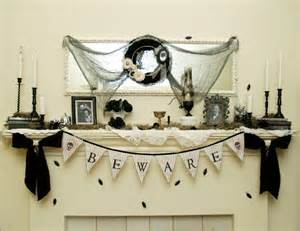 Halloween decorating ideas for your mantel