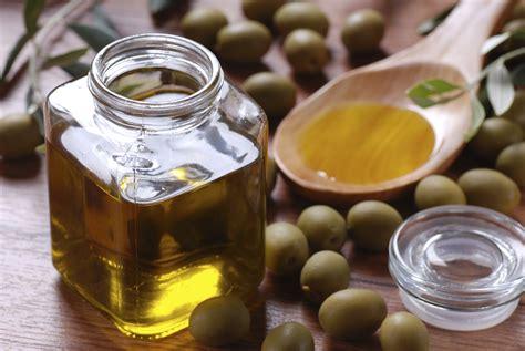 comment bien cuisiner bien choisir cuisiner et conserver huile d olive le