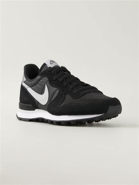 black nike sneakers mens nike internationalist leather sneakers in black for lyst
