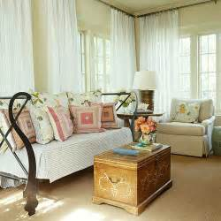 Ideas for decorating small spaces the decorating files