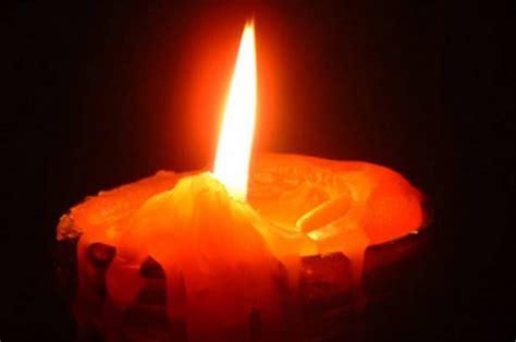 candela votiva canosa nel silenzio degli estinti