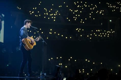 Concert Shawn Mendes shawn mendes tour with best picture collections