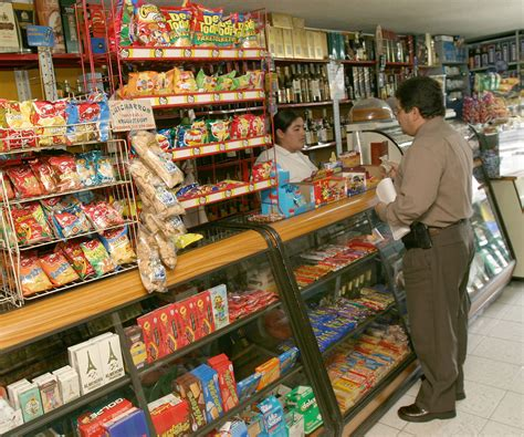 imagenes de varias tiendas tiendas de barrio en colombia