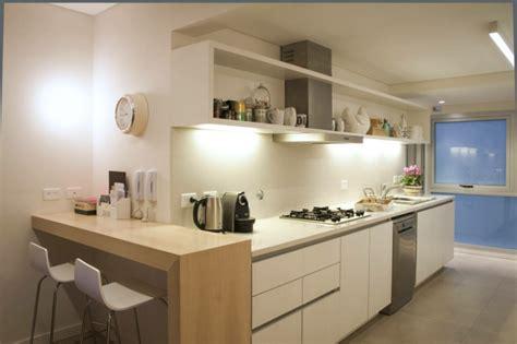 armadietti cucina armadietti cucina finest armadietto cucina lucido bianco