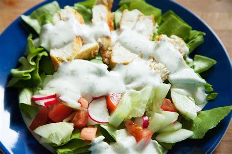 salat sauce salat mit curry h 252 hnchen und joghurt minze sauce