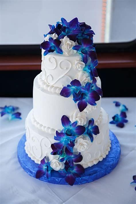 wedding cake and flowers blue flower wedding cakes www pixshark images