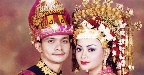 Ciri Ciri Baju Adat Aceh foto pakaian adat aceh indonesiaku