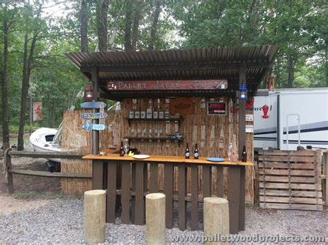 Small Tiki Bar Recycled Pallet Tiki Bar Ideas Pallet Wood Projects