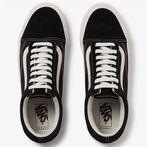 Style Advice Ask The Bean Going Flat Second City Style Fashion by How To Lace Vans Sneakers The Right Way Fashionbeans